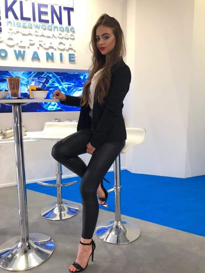 Hostessy i modelki - Agencja hostess Alternativa