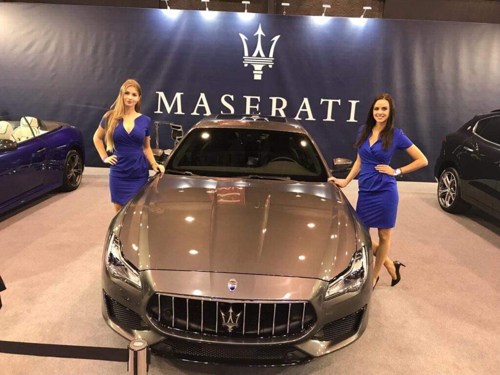 Hostessy na targach samochodowych Motor Show w Poznaniu